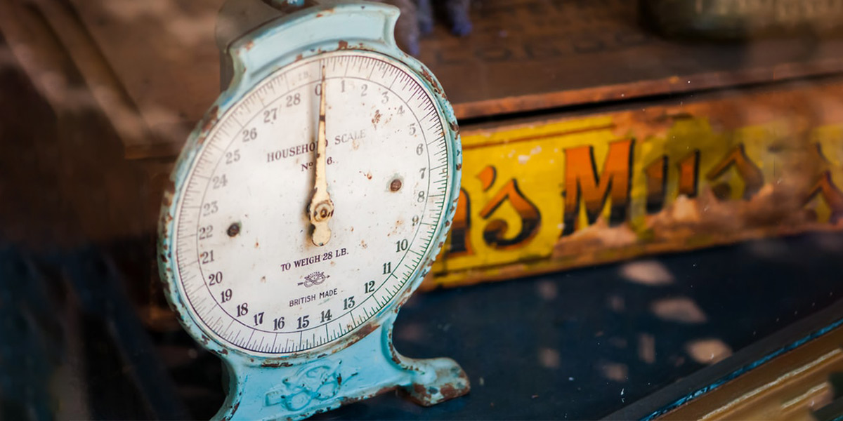 Vintage food weighing scale